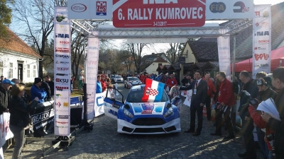 A CEREMONIAL START TO DAY TWO OF THE KUMROVEC RALLY
